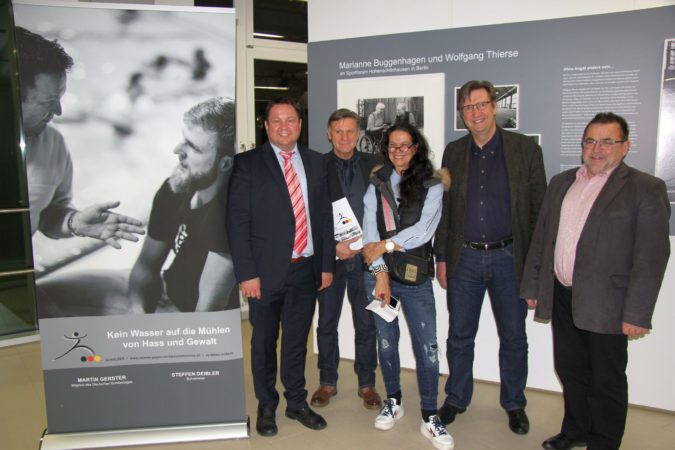 """Ausstellung """"VorBilder - Sport und Politik vereint gegen Rechtsextremismus"""""""