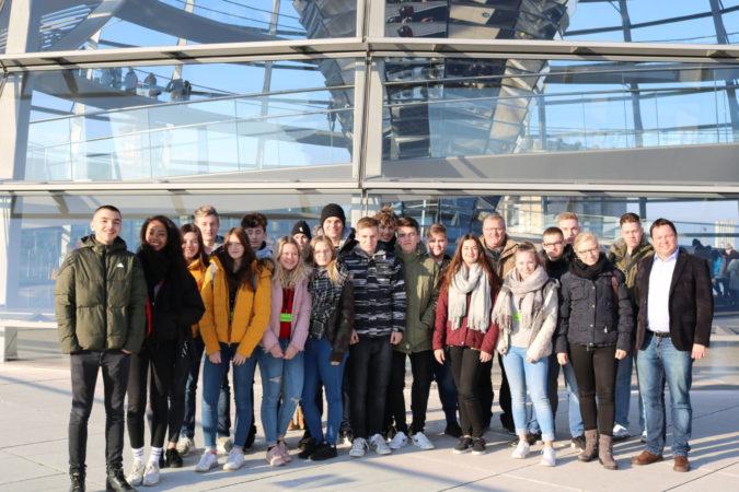 Dollinger-Realschule erkundet das politische Berlin