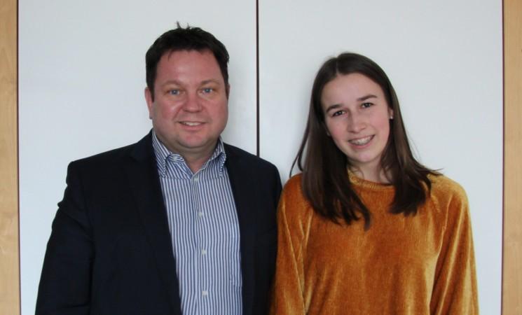 Madlen Dobler erhält Bundestagsstipendium