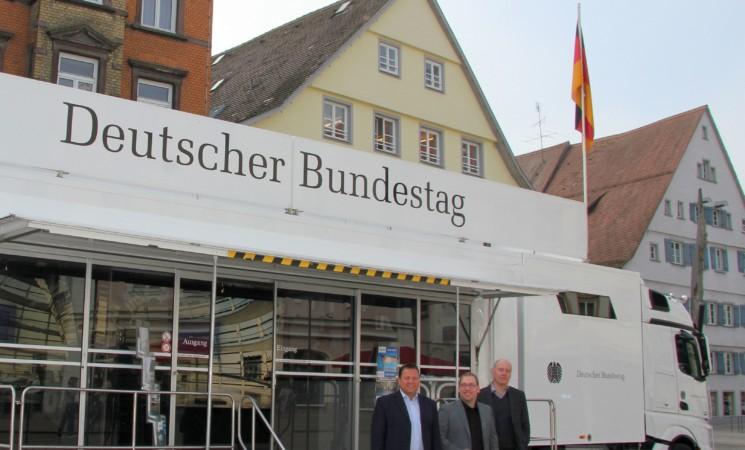 Infomobil des Deutschen Bundestags kommt