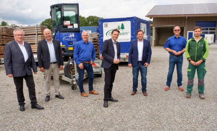 SPD-Fraktionschef Mützenich in Hummertsried: Zwei Rote beim Grün Team